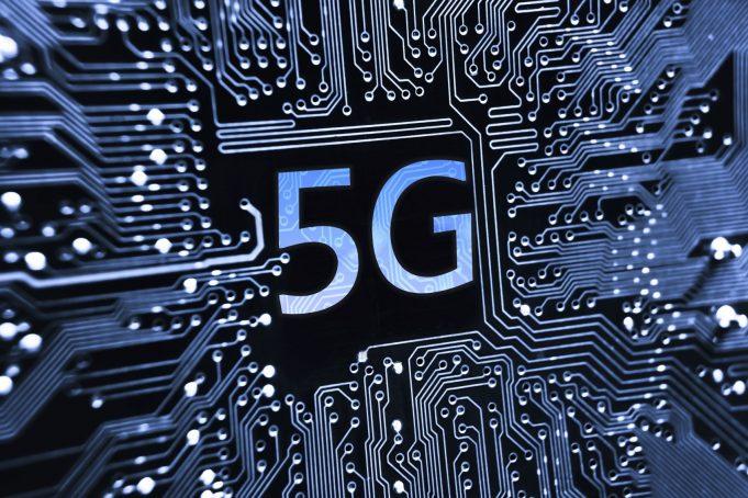 Сети 5G будут развиваться в низкочастотной и высокочастотной частях спектра