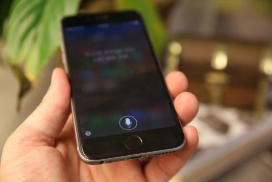 Чем Siri грозит клиентам «Сбербанка» и «Тинькофф банка»