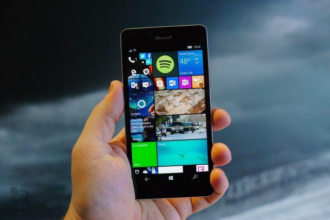Microsoft будет поддерживать Windows 10 Mobile ещё полтора года, а затем выведет на рынок совершенно новую универсальную ОС