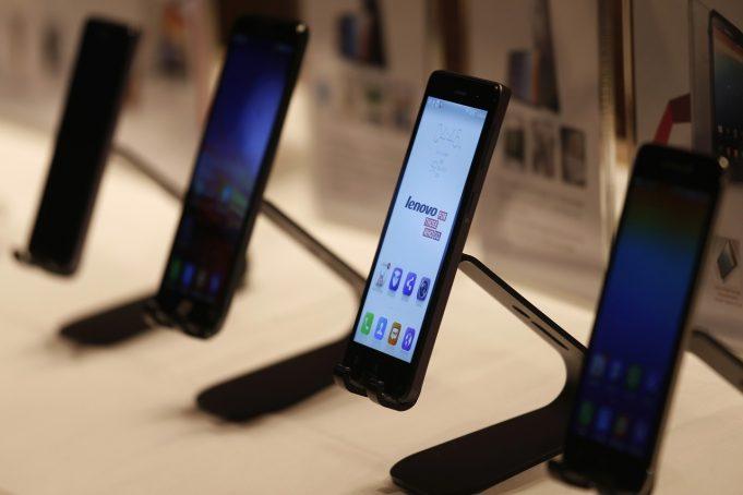 Представитель Lenovo подтвердил намерение компании отказаться от собственного бренда на рынке смартфонов в большинстве стран
