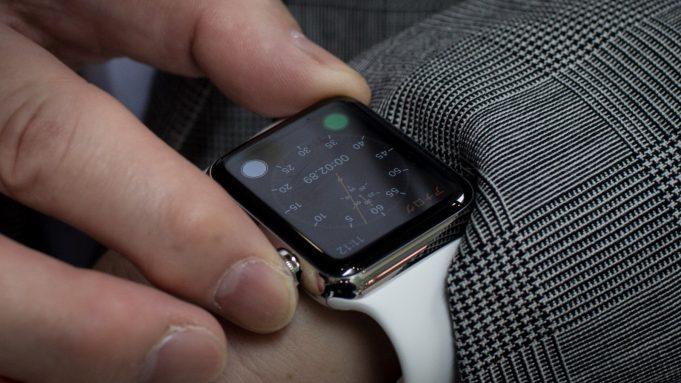 Apple Watch займут более половины рынка умных часов по итогам текущего года