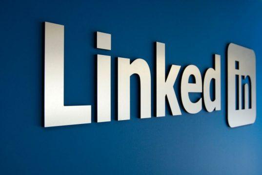 Apple и Google удалили приложение LinkedIn из российских магазинов по просьбе Роскомнадзора