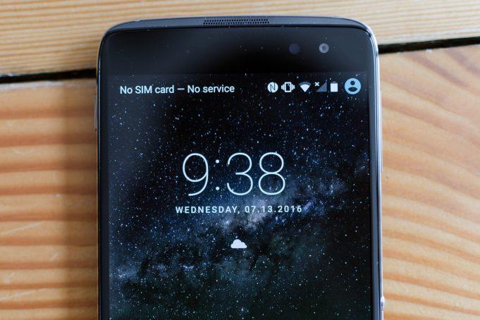 В линейку 2018 года Alcatel вошли безрамочные смартфоны