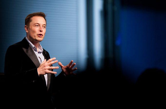 Элон Маск: искусственный интеллект сможет положить Интернет, дайте только время