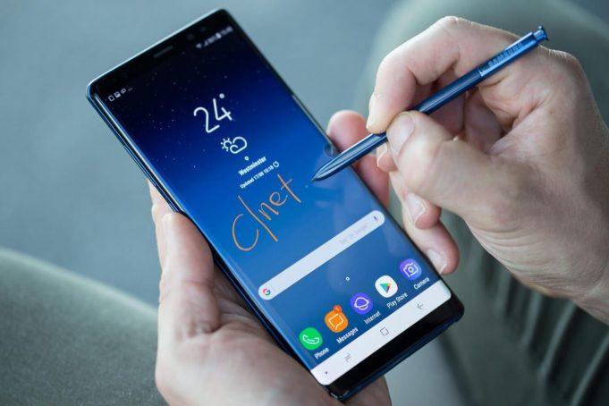 Около половины новых смартфонов китайских производителей в этом году получат системы ИИ