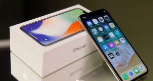 iPhone XR уже можно заказать в России