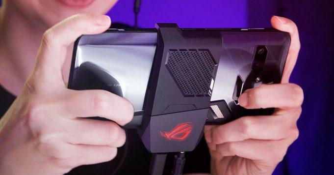 Представлен рекордно быстрый игровой смартфон с вентилятором