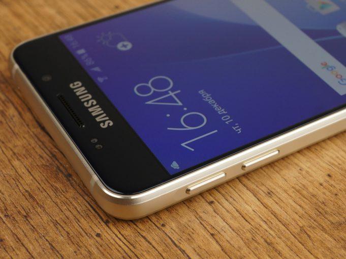 Samsung анонсировала голосовой помощник Bixby для Galaxy S8