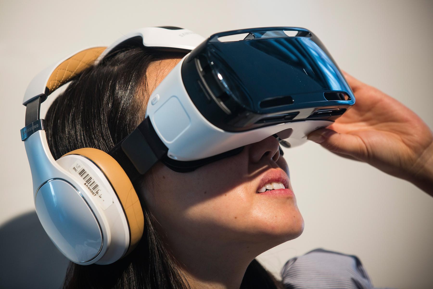 Сам спросил порно видео очки виртуальной реальности