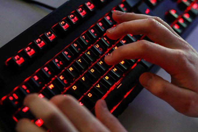 Совбез России требует регистрировать онлайн-геймеров по номеру телефона