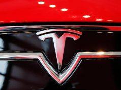 В США водитель и пассажир электромобиля Tesla Model S погибли в результате аварии и пожара