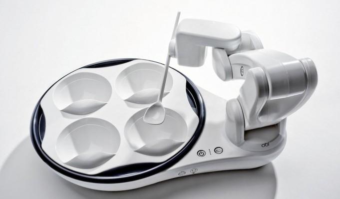 Obi – робот, помогающий людям с ограниченными возможностями принимать пищу