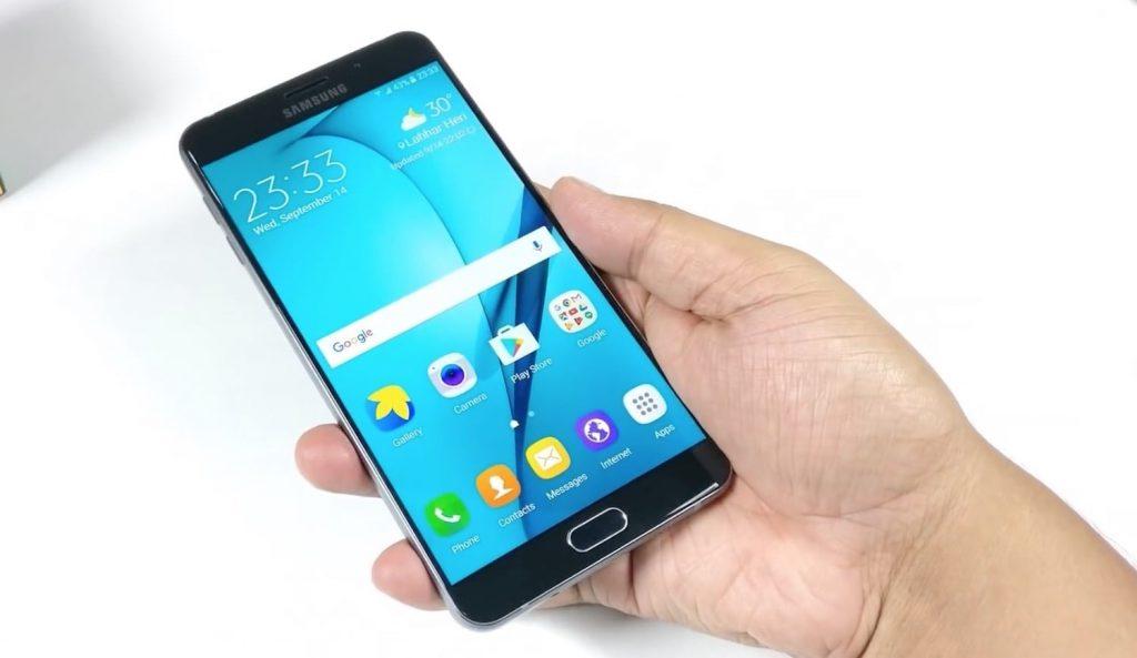 Двухсимочный смартфон с большим экраном 2018 года