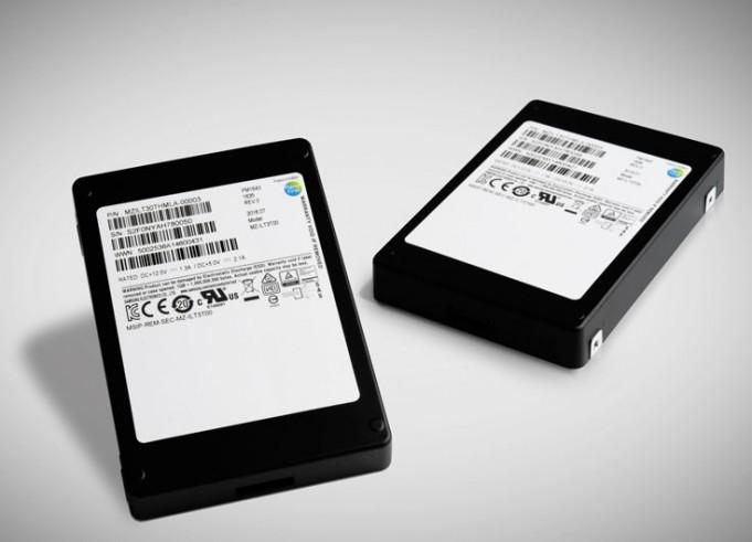 Компания Samsung Electronics представила 64-слойную флэш-память V-NAND и SSD