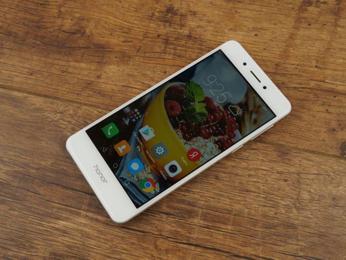 Huawei выпускает Honor 6X Premium в России