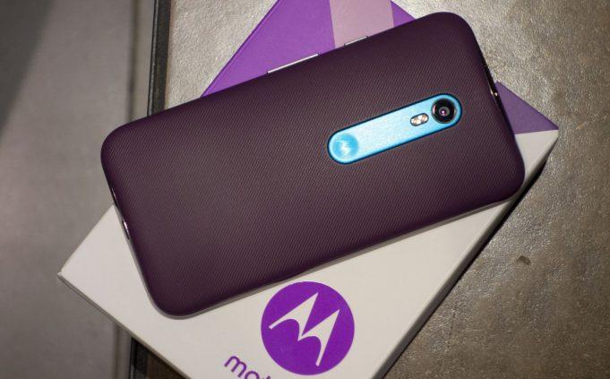 Lenovo продолжит выпуск смартфонов под брендами Lenovo и Motorola