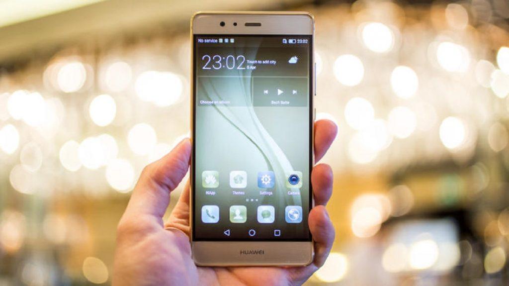 Какой смартфон лучше Huawei или Fly