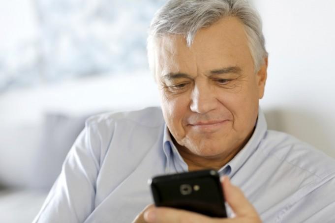 Смартфоны для пожилых людей 2016