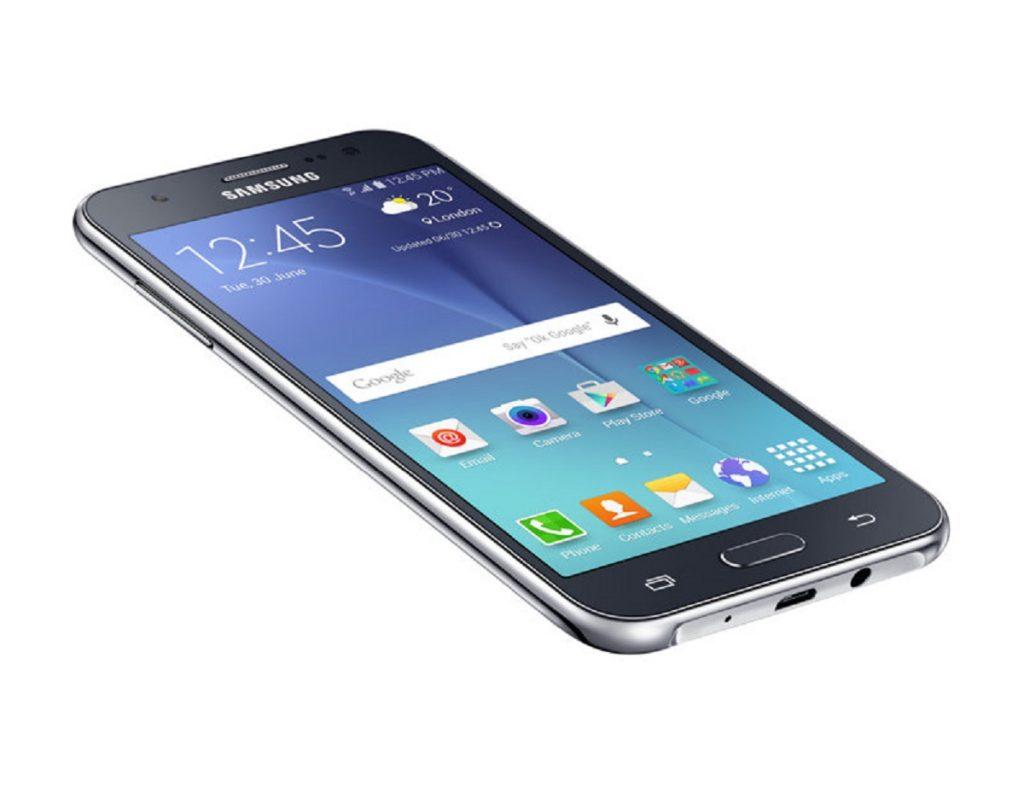 Какой смартфон лучше Huawei или Samsung
