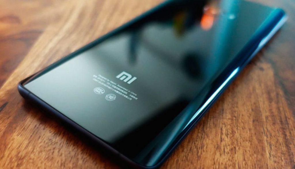 Какой смартфон лучше Xiaomi или Apple